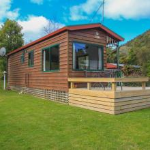 Rotorua's Blue Lake TOP 10 - Ensuite Jayco Cabins