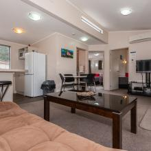 Tikitapu Motel - Living & Dining Areas