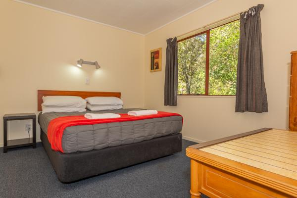 Motel Lakeview - Queen Bed
